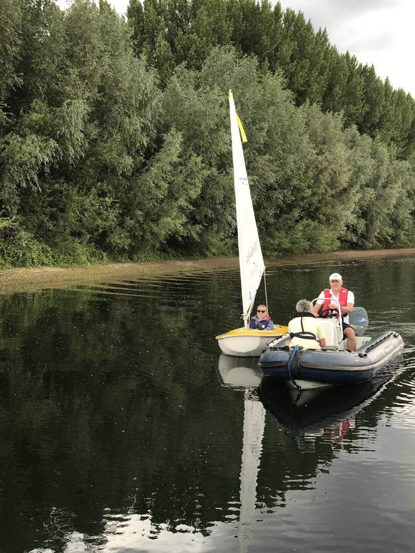 Gehandicapten zeilen bij Sailability locatie - WSV Giesbeek